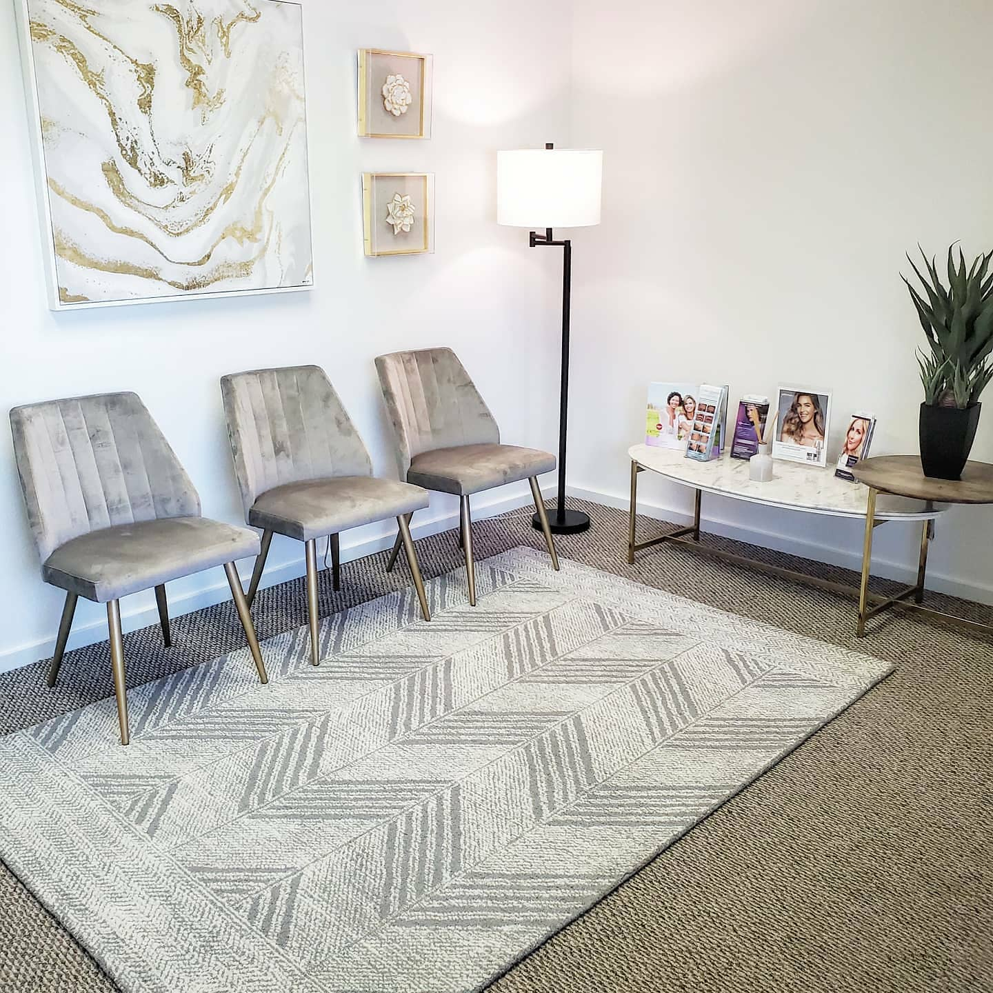 Lobby waiting room at Gorin Plastic Surgery and MedSpa in Tualatin